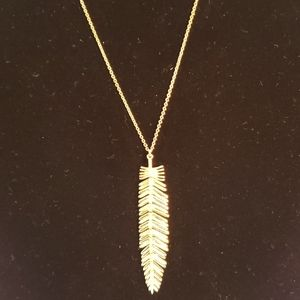 NWT BCBG feather necklace